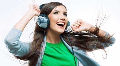 7 canciones en español que llenarán de sentido tu día