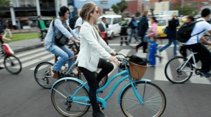 Ir en bicicleta a trabajar o estudiar disminuye el estrés hasta en un 52%