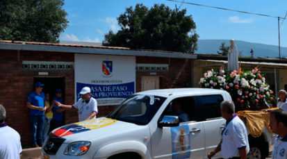 La imagen peregrina de la Virgen de Fátima visita Casa de Paso 'Divina Providencia'