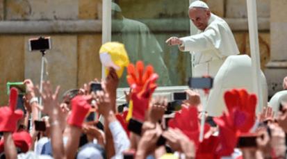 """Papa a los jóvenes: """"Mantengan viva la alegría, no se la dejen robar"""""""